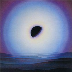 介于:变异流行音乐,电子极简主义和影子声音的日本1980-1988年