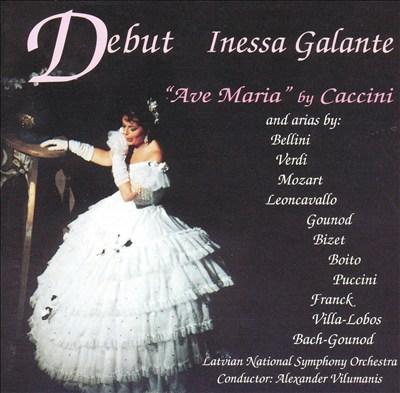 Debut: Inessa Galante